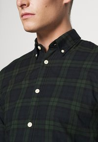 Selected Homme - SLHSLIMHOUSTON CAMP - Camicia - rosin - 5
