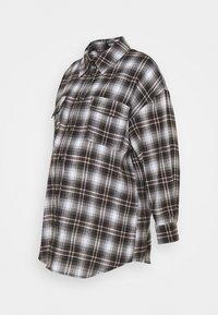 CHECK SHIRT - Camisa - brown