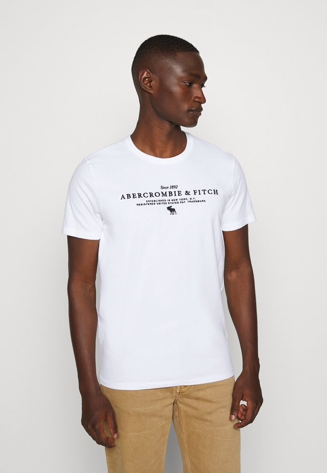 TECHNIQUE LOGO EUROPE - T-shirt con stampa - white
