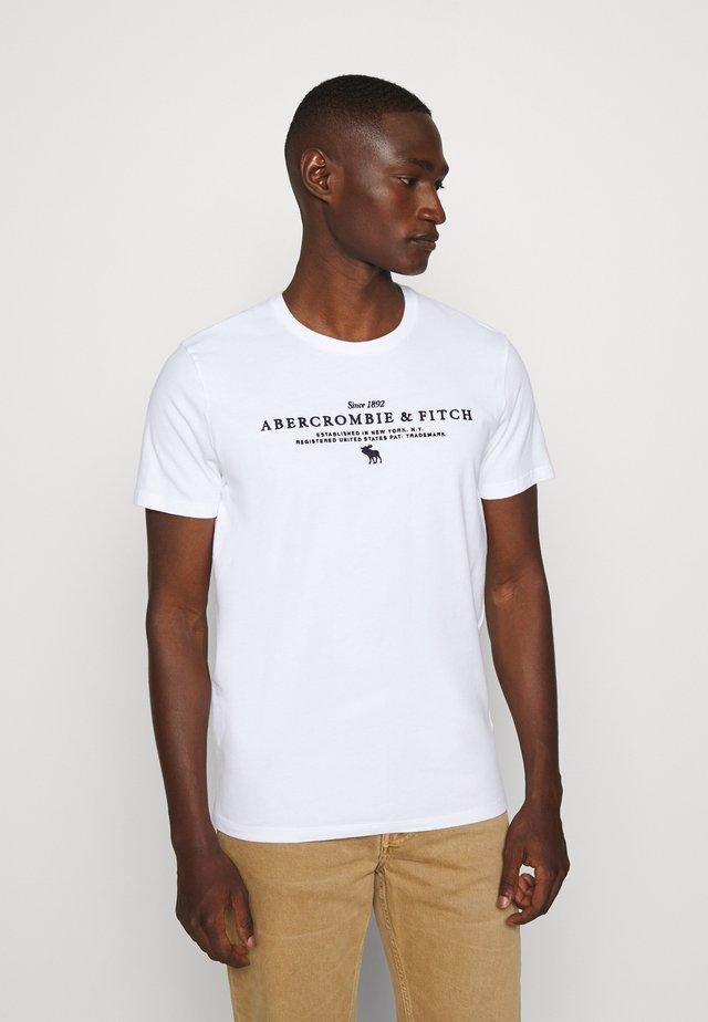 TECHNIQUE LOGO EUROPE - T-shirt imprimé - white