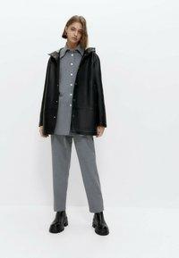 Uterqüe - Short coat - black - 1