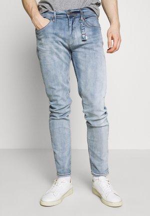 TWISTER - Jeansy Slim Fit - denim bleach blue