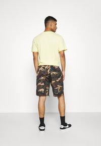 Mennace - CAMO PULL ON - Shorts - khaki - 2