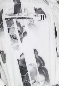 11 DEGREES - Shorts - white - 2