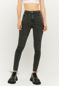 TALLY WEiJL - SKINNY  - Jeans Skinny Fit - black denim - 0