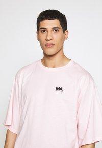 Martin Asbjørn - TEE - T-shirts - pink - 3