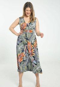 Paprika - Day dress - marine - 0