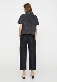 PULL&BEAR - Button-down blouse - dark grey - 2