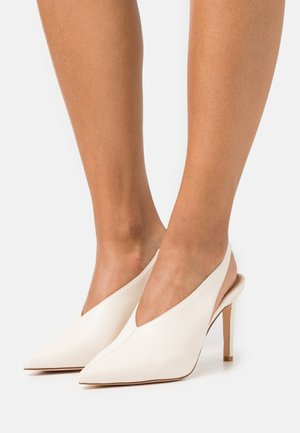 SEAM DETAILED SLINGBACK  - High heels - natural