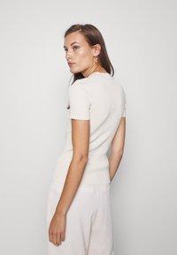 Samsøe Samsøe - JOAN - Basic T-shirt - warm white - 2