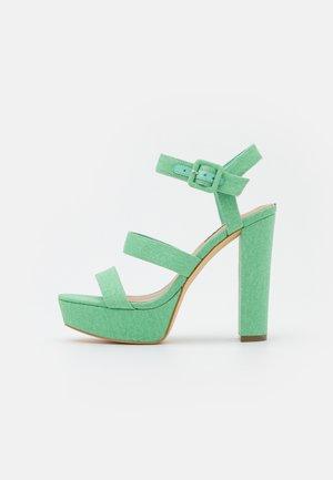 RAYONA - Sandály na platformě - mint