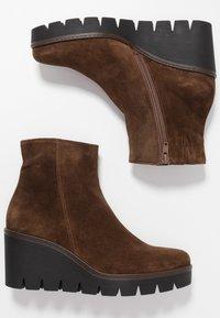 Gabor - Ankle boots - cognac - 3