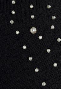 Miss Selfridge - PEARL PIE CRUST JUMPER - Stickad tröja - black - 2
