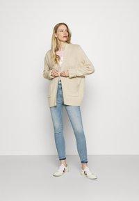 Marks & Spencer London - CARRIE - Jeans Skinny Fit - light blue denim - 1