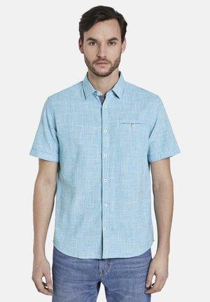 TOM TAILOR BLUSEN & SHIRTS FEINES KURZARMHEMD - Shirt - teal blue fil a fil check