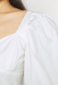 Gina Tricot - MADELEINE BLOUSE - Print T-shirt - offwhite - 5