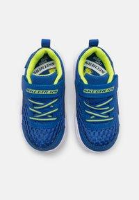 Skechers - COMFY FLEX 2.0 - Trainers - royal/lime - 3