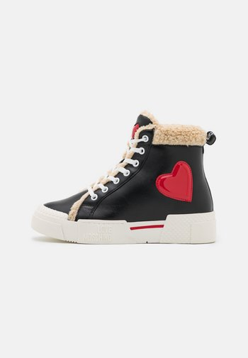 EXCLUSIVE - High-top trainers - black