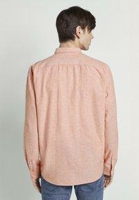 TOM TAILOR DENIM - OXFORD  - Shirt - orange triangle mix - 2