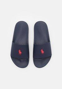 Polo Ralph Lauren - SLIDE UNISEX - Mules - navy/red - 3