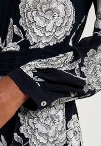 White Stuff - EMBROIDERED DRESS - Denní šaty - navy - 6