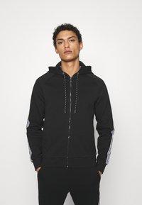 Michael Kors - BLOCKED LOGO HOODIE - Zip-up sweatshirt - black - 0