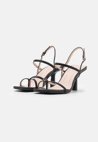 RAID - SAWYER - Sandály s odděleným palcem - black - 2