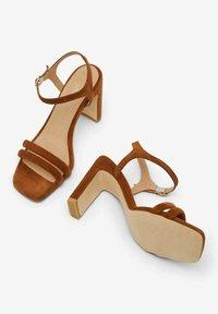Bianco - BIADEEDEE - High heeled sandals - cognac - 4