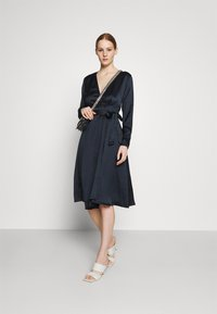 NU-IN - BELTED WRAP MIDI DRESS - Cocktail dress / Party dress - black - 1