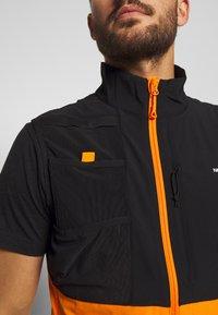 The North Face - MENS VARUNA VEST - Waistcoat - flame orange - 5