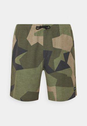 CREEKSIDE MAYFLY SWEDISH CAMO - Shorts - beige