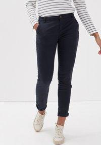 BONOBO Jeans - Pantalones chinos - bleu foncé - 3