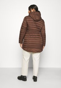 CAPSULE by Simply Be - LIGHTWEIGHT PADDED MID JACKET - Short coat - chocolate - 2