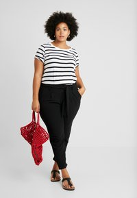 Even&Odd Curvy - Trousers - black - 2