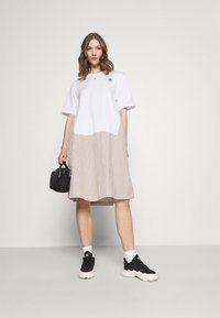 adidas Originals - Dry Clean Only xSHIRT DRESS - Sukienka z dżerseju - white - 1