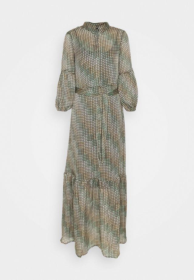 VMBERTA - Robe d'été - fir green/berta