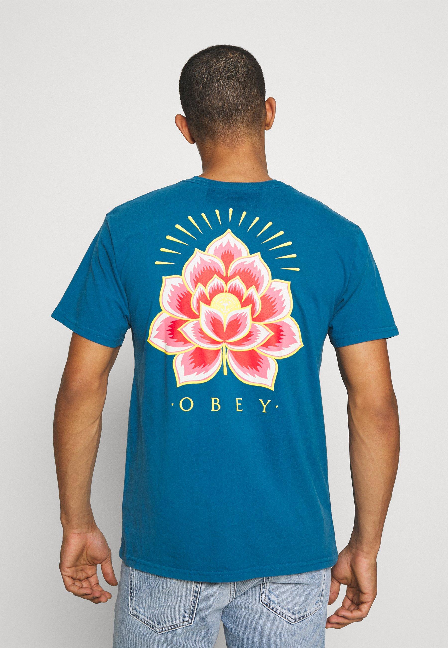 Men RADIANT LOTUS - Print T-shirt