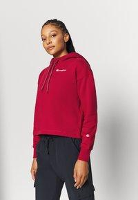 Champion - HOODED CROP LEGACY - Bluza z kapturem - dark red - 0