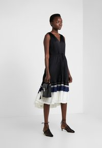 3.1 Phillip Lim - VNECK PLEATED DRESS - Cocktail dress / Party dress - black - 1