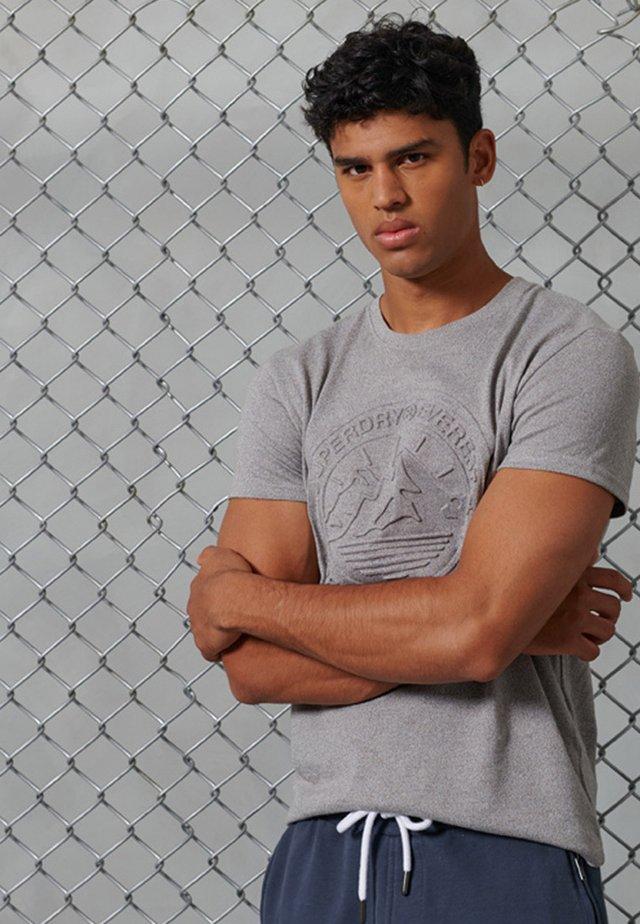 EVEREST - T-Shirt print - peppered grey grit