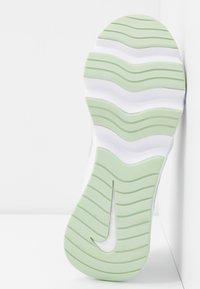 Nike Sportswear - RYZ - Sneakersy niskie - white/pistachio frost - 6