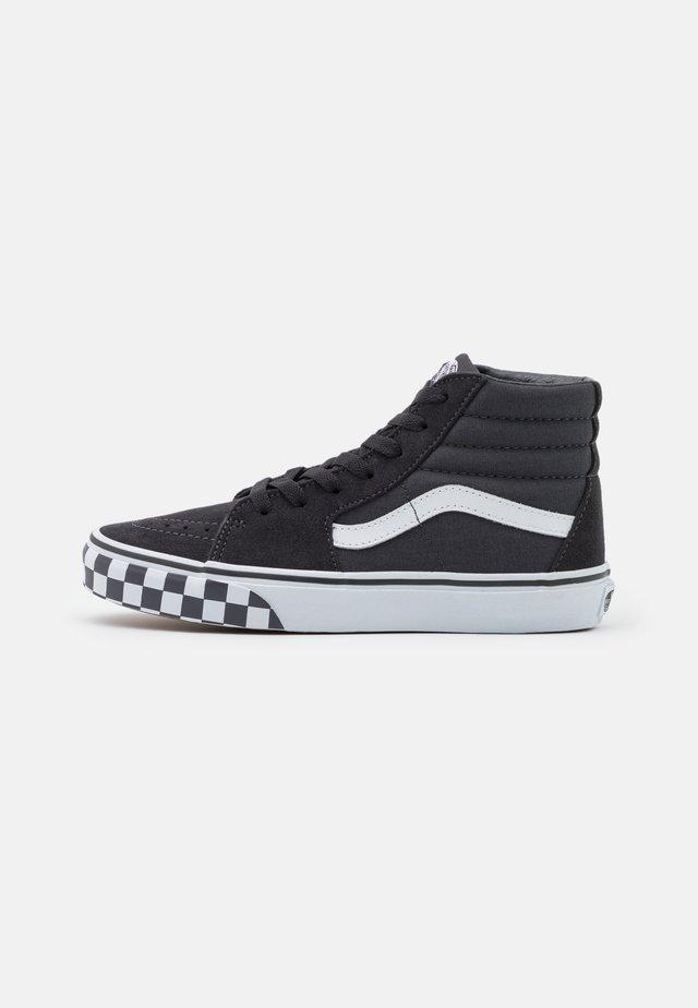 SK8 UNISEX - Zapatillas altas - asphalt/true white