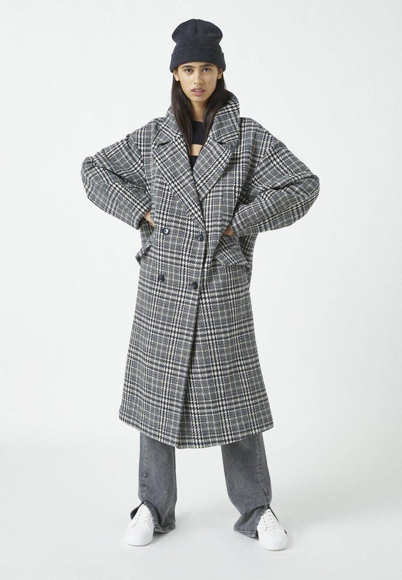 PULL&BEAR - Classic coat - dark grey