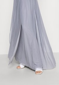 Nly by Nelly - CONVERTIBLE GOWN - Robe de cocktail - dusty blue - 3