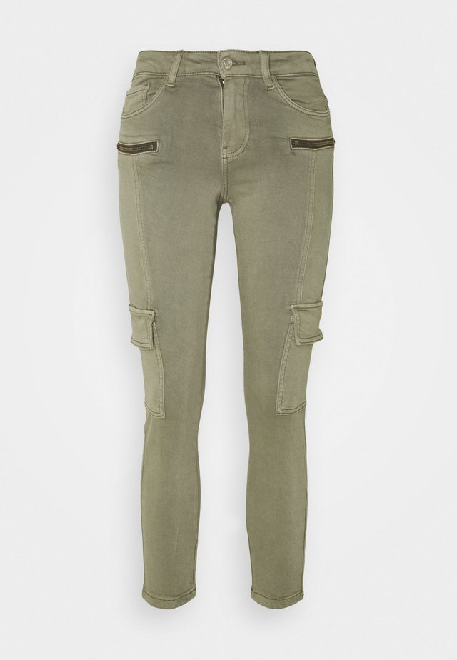 VMHONNISEVEN SLIM CARGO - Pantalones - bungee cord