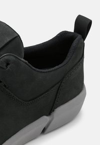 Clarks - TRISTELLAR GO - Sneakers laag - black - 5