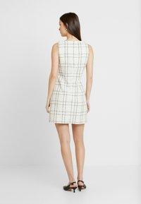 Miss Selfridge - PINNY DRESS - Robe d'été - ivory - 2