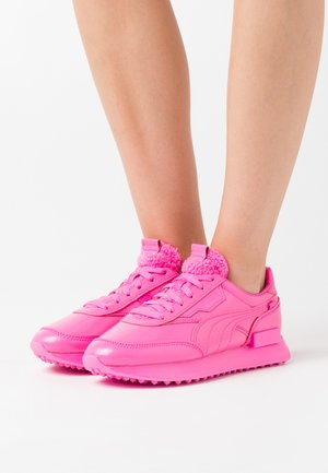 FUTURE RIDER - Zapatillas - luminous pink