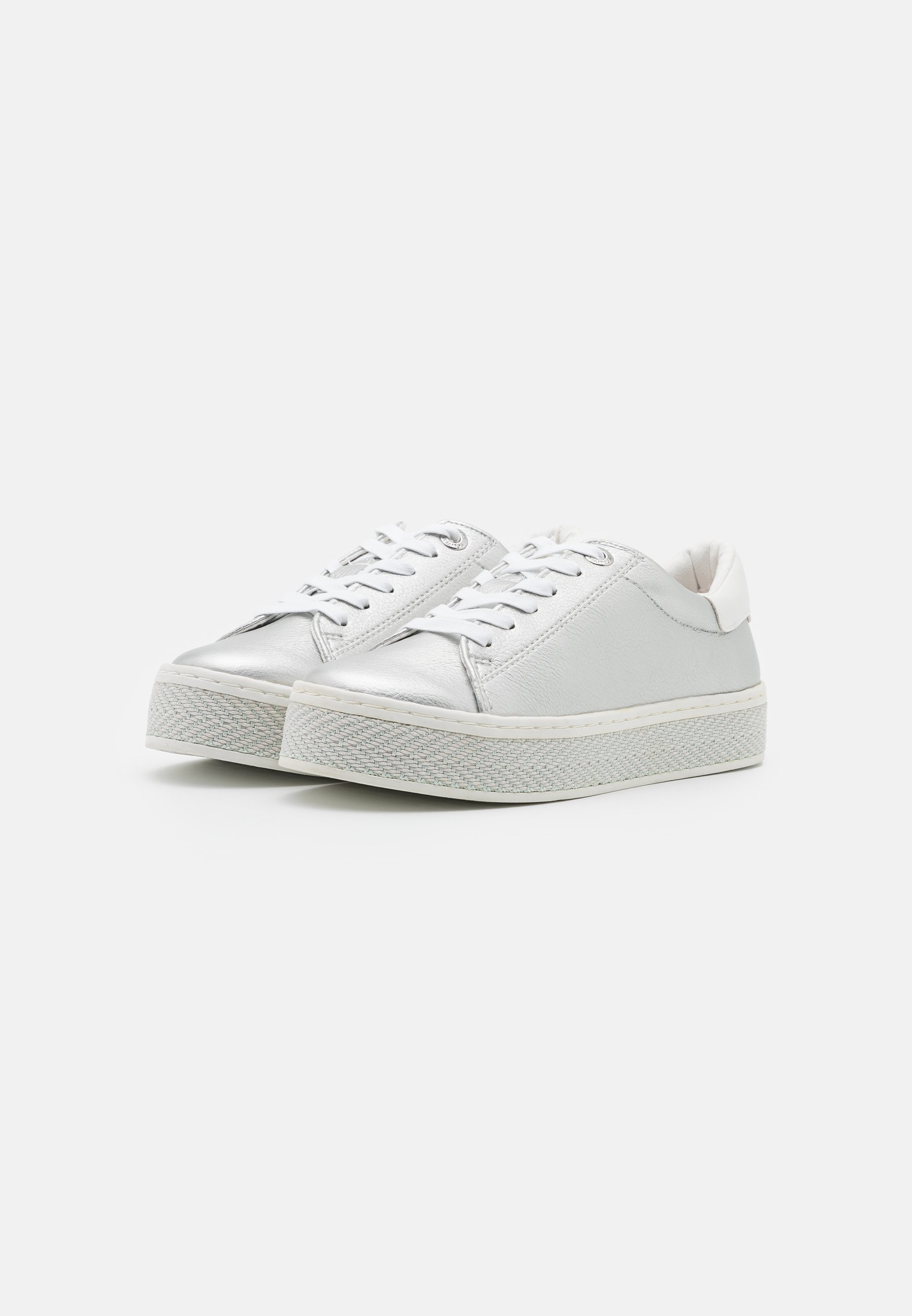 s.Oliver Sneaker low silver/silber