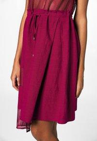 Apart - Robe d'été - berry - 4